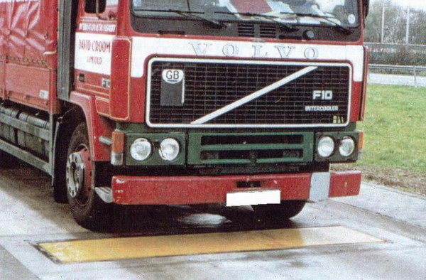 LESAK 4TANV0730-L, 15t/5kg, 3000x700mm (Nápravová váha pro zjištění zatížení nápravy automobilu)