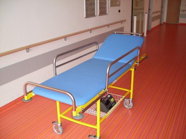 LESAK 4TVLA12 200kg/100g, 600mmx1900mm (Nemocniční lůžko s váhou pro kontrolní vážení)